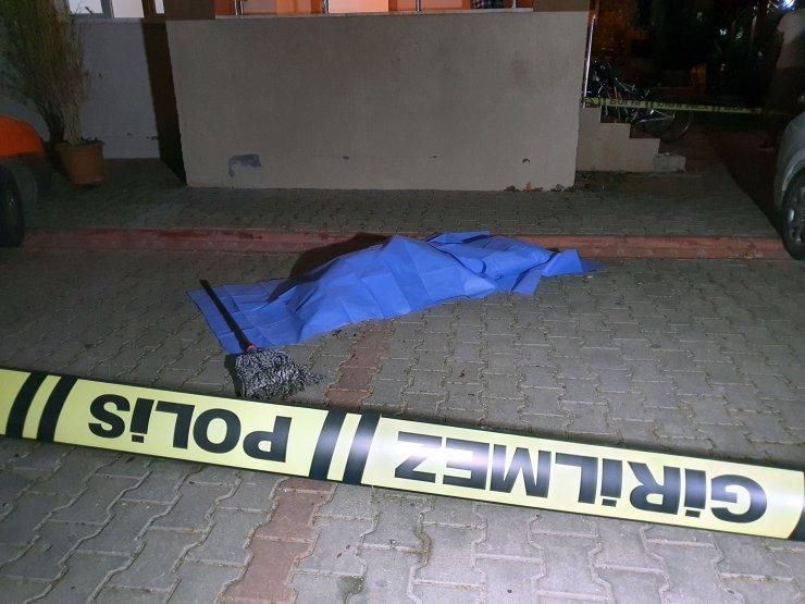 13'üncü Kattan Düşen Çocuk Hayatını Kaybetti