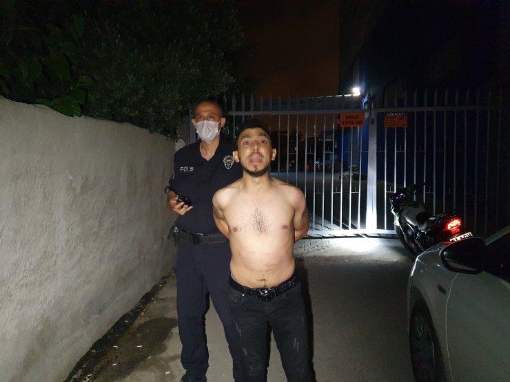 """Adana'da Motosikletle 5 Kilometre Kaçtı, Yakalanınca """"polis Benim Baş Tacım"""" Dedi"""