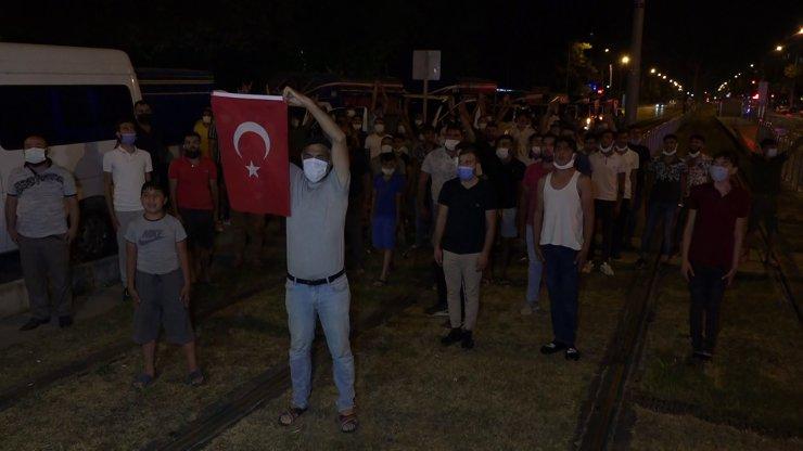 Antalya'da Yüzlerce Roman'dan 'caner Sarmaşık Şehit Sayılsın' Konvoyu