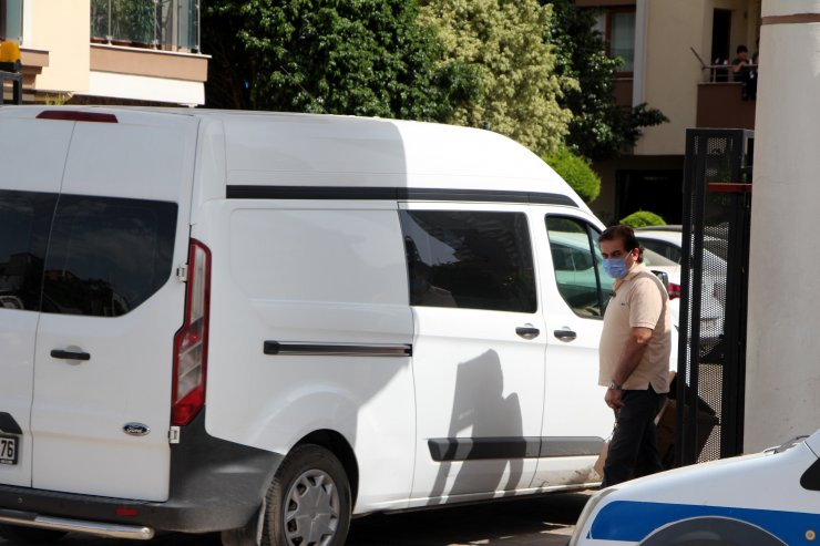 Husumetli Olduğu Komşusunu Bacağından Vuran Öğretmen Tutuklandı