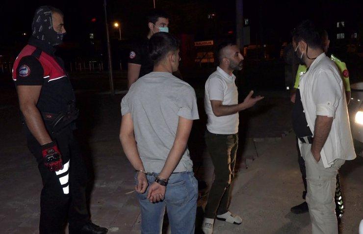 Alkollü Ve Ehliyetsiz Sürücü Kovalamacayla Yakalandı