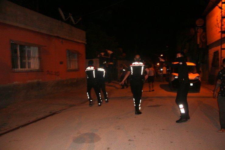 Silahlı Kavgada Sokakta Oynayan5 Yaşındaki Çocuk Göğsünden Vuruldu